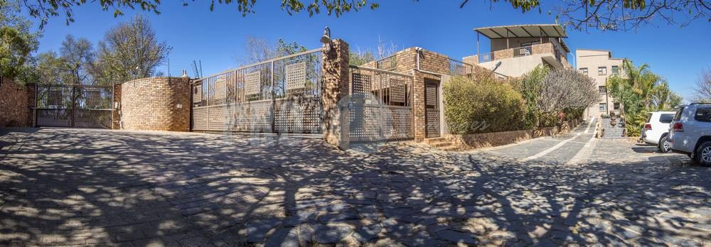 architectural & real estate photographer gauteng - 1 Tom Jenkins front view panorama