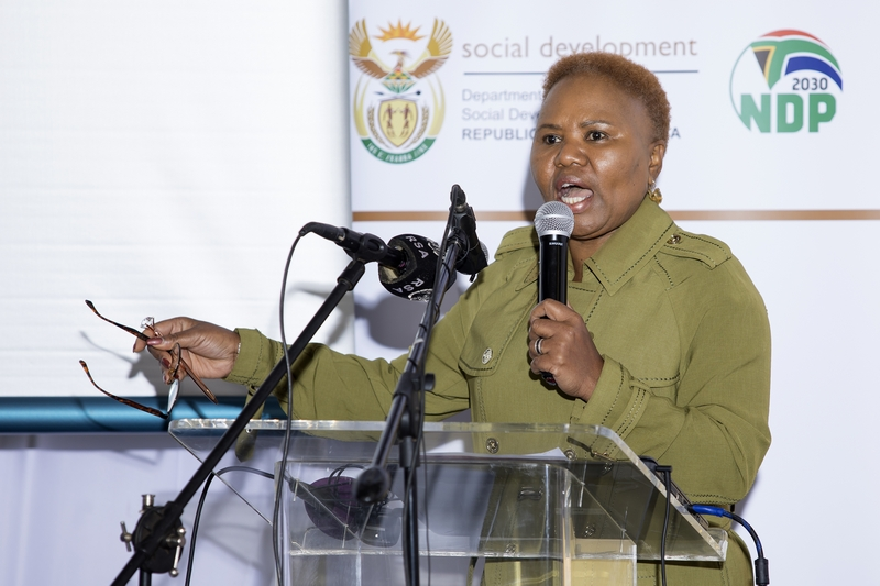 Minister Lindiwe Zulu adressing the media